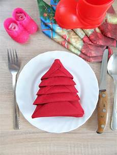 tree napkin folding family crafts