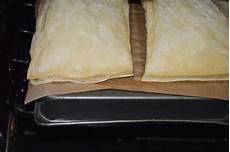 prajitura napoleon jamila prajitura napoleon cu foi din aluat de foietaj si frisca