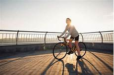 fahrrad für frauen fahrrad ausr 252 stung 8 s 228 ttel f 252 r frauen im test fit for