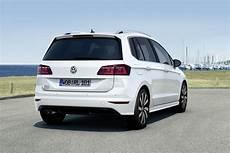 Vw Golf Sportsvan Gets An R Line Sporty Upgrade Carscoops