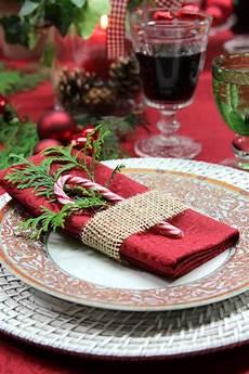 tisch decken weihnachten gedeckter tisch weihnachten weihnachtstisch deko