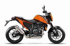 2016 ktm 690 duke learns some table manners