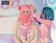 Gaya Jilbab Cantik Dengan Bando Bunga Foto 5 Co Id