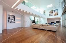 Offener Designer Wohnraum Mit Heller Bild Kaufen