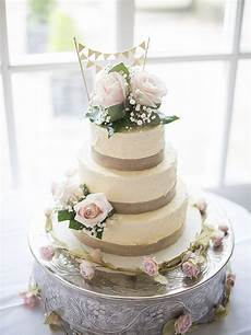 the cakery provides wedding cakes celebration cakes and cupcakes to the leamington spa and