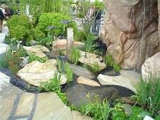 Findlinge Und Quellsteine Zur Gestaltung Ihres Gartens Kaufen