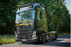 volvo commercial vehicles continental presents volvo fh as demo truck at iaa