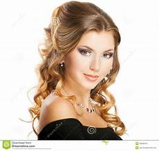 beauty hairstyle image of hairdo looking 26638416