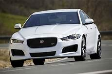 us autos kaufen jaguar bringing xe competitors to its u k dealerships