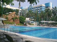 file hk disney s hollywood hotel swimming pool 01 jpg