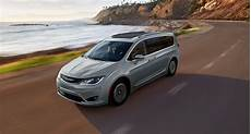 chrysler pacifica hybrid chrysler pacifica in hybrid review cleantechnica
