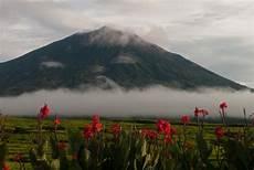 Urutan Gunung Tertinggi Di Indonesia Yang Saya Tahu