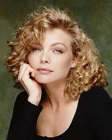 short wavy hairstyles for women hairstyles weekly trendy wavy curly haircuts for older women short medium and long length hair page 3