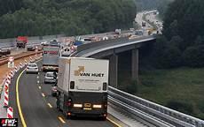 Rasen Oder Reisen Richtgeschwindigkeit Auf Deutschen