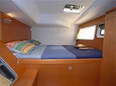 interno barca a vela viaggi a vela crociere in catamarano