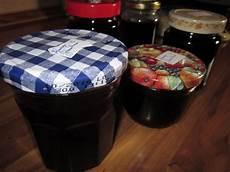 schwarze johannisbeeren marmelade schwarze johannisbeeren marmelade miris welt