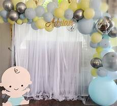 Backdrop With Balloon Garland