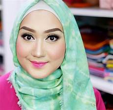 Gaya Jilbab Ala Dian Pelangi Terbaru