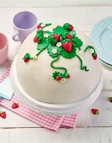 Welche Torte Unter Fondant - kuppeltorte mit erdbeersahne rezept kuppeltorte torte