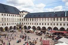 Quot Vive La Joie Quot Knapp 10 000 Besucher Kamen Zum Ekhof