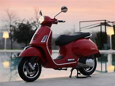 vespa 125 gts vespa scooter pictures 2009 gts 125 lawyers