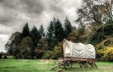 dormir à la ferme dormir dans un chariot western 224 la ferme aventure lorraine