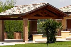 tettoie per esterni legno strutture aprilia tetti in legno tettoie