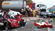 Unfall Düsseldorf Heute - karambolage bei ratingen schwerer unfall auf der autobahn