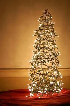 Weihnachtsbaum Aus Draht - weihnachtsbaum basteln 24 unglaublich kreative diy ideen
