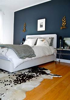graue wand schlafzimmer the home of bambou bedroom with accent wall