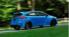 2016 ford focus rs price colors