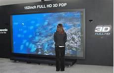 le plus grand ecran tv du monde panasonic develops world s largest 152 inch hd 3d