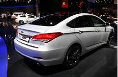 Hyundai I40 Place 224 La Berline Vid 233 O Automobile
