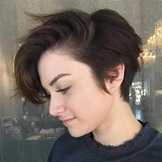 picture of a side swept pixie haircut with a fringe and