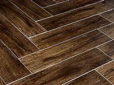 Fliesen Holzoptik Nussbaum - prestige walnut 6x24 wood plank porcelain tile