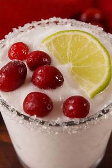 21 best christmas cocktail recipes 2019 easy alcoholic holiday drinks