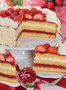 torta margherita con crema pasticcera e fragole torta regale con crema chantilly e gelatina di fragole nel 2020 gelatina di fragole torte e dolci