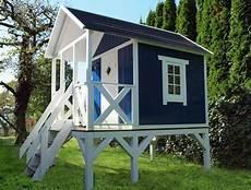 gartenhaus auf stelzen stelzenhaus holz schwedenhaus auf stelzen baumhaus
