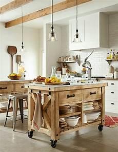 ilot sur le 238 lot 224 roulettes qui va pimenter le design de votre cuisine