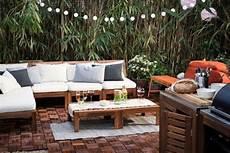 lounge möbel ikea stilvolle ikea 196 pplar 214 gartenm 246 bel mit modernen kissen und