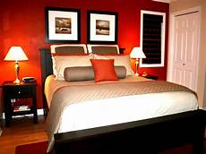 Schlafzimmer Rote Wand - i the color in this bedroom the bold accent wall