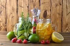 infused water rezepte infused water rezepte ideen und tipps rundumgesund de