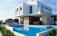 moderne villa mit meerblick und infinity pool 650 000