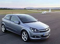 Car And Car Zone Opel Astra Gtc With Panoramic Roof 2005