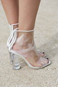 how to wear high heels without 8 tips that really work what is this ankle boots and the