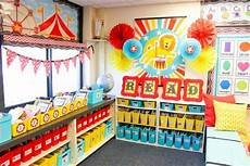 Decorations Inside The Classroom by How To Build A Classroom Library And A Back To School
