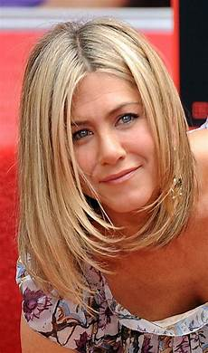 8 famous bob hairstyles of jennifer aniston