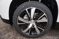 Essai Grip Sur La Neige En Peugeot 2008