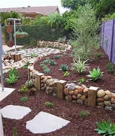 Garden Cheap by 17 Simple And Cheap Garden Edging Ideas For Your Garden
