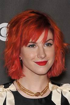 hayley williams wavy red bob shaggy bob sideswept bangs hairstyle steal her style